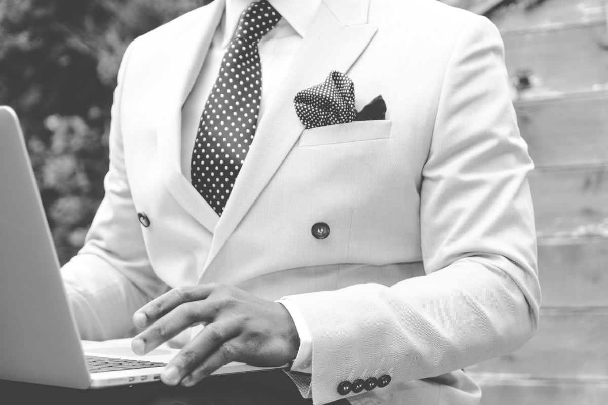 10 Key Distinctive Traits Of Financially Successful People