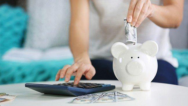 Best Money Saving Tips for Single Women in 2021